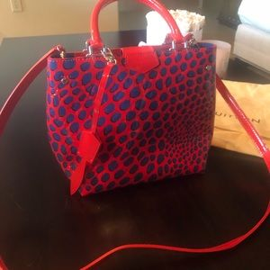 Brand New Louis Vuitton Unique patent handbag 👜